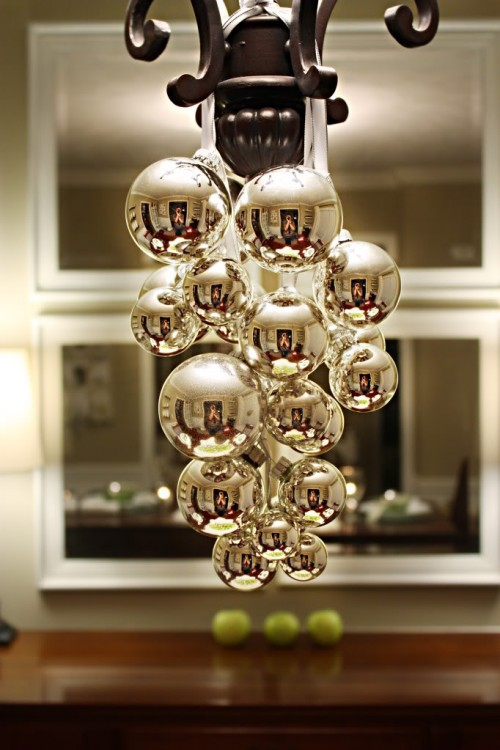 25 cool ideas to make christmas chandeliers shelterness simple bulbs and ribbon on a chandelier via momsbyheart mozeypictures Image collections