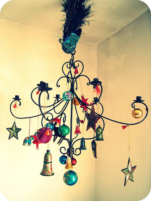 Vintage Christmas chandelier (via frauheuberg)