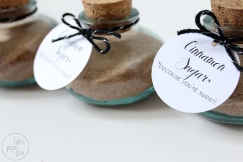cinnamon sugar gifts (via fabricpaperglue)