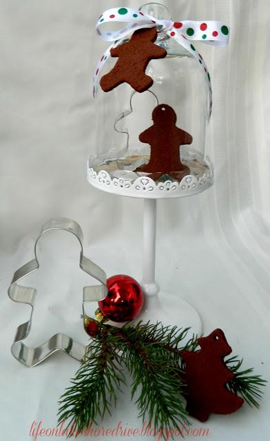 cinnamon apple sauce ornaments (via lifeonlakeshoredrive)