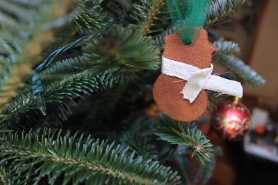 cinnamon cookies ornaments