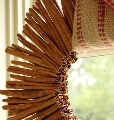 cinnamon sticks wreath (via apartmenttherapy)