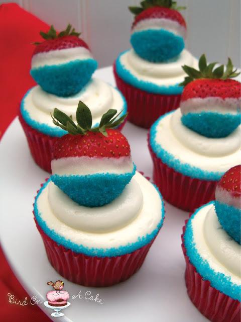 strawberry cupcakes (via birdonacake)