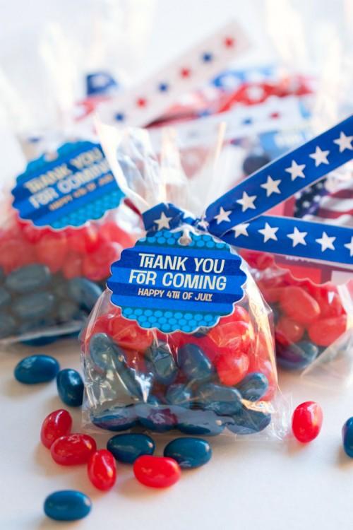 patriotic candy favors (via myownlabels)