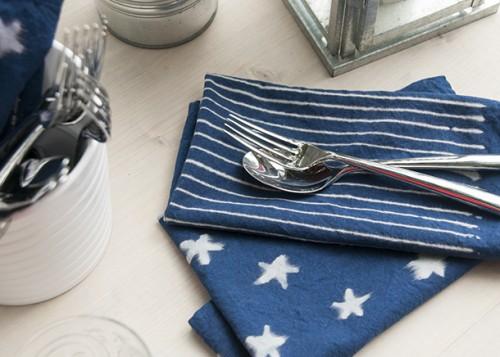 patriotic indigo napkins (via houseofearnest)