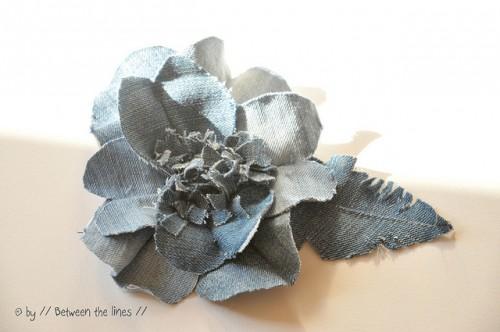 denim flowers (via pm-betweenthelines)
