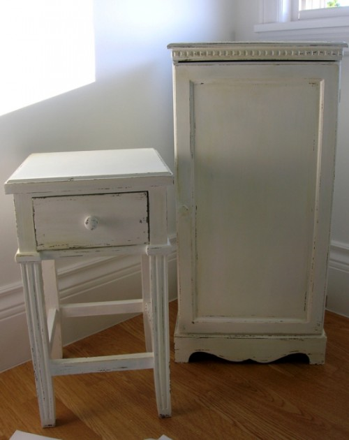 furniture distressed with paint and wax (via movitabeaucoup)