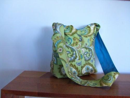 SLR Camera Bag Tutorial (via sweetseattlelife)