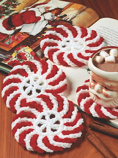 10 ideas to make cool christmas coasters shelterness peppermint coasters peppermint coasters cool diy christmas coasters solutioingenieria Image collections