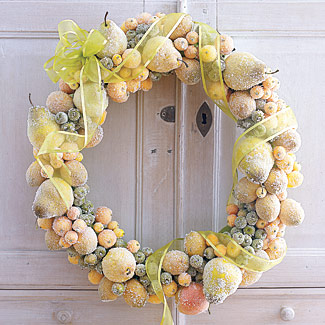 Homemade Sugar-Coated-Fruit Wreath (via goodhousekeeping)