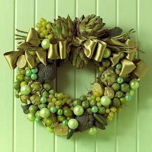 Fruit And Vegetables Homemade Christmas Wreath (via darcylabelle)