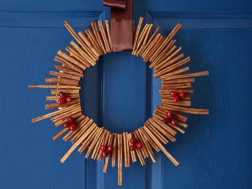 DIY Cinnamon Roll Christmas Wreath