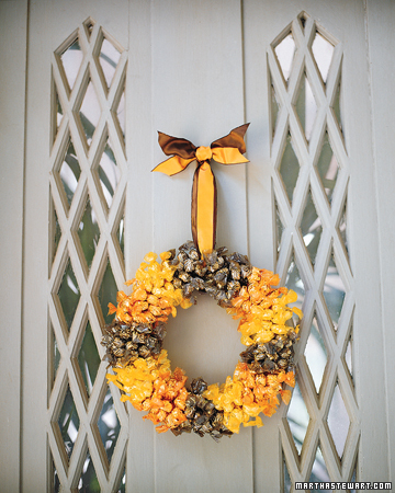 DIY Candy Wreath (via marthastewart)