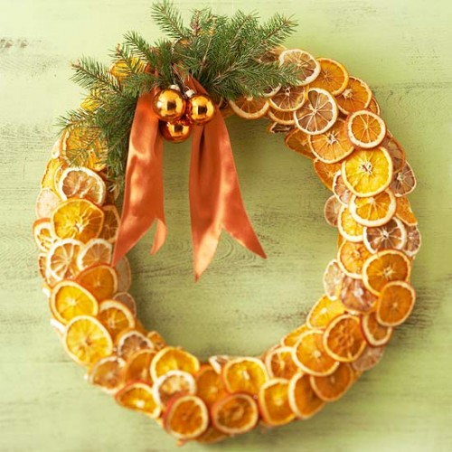 DIY Fragrant Fruit Wreath (via bhg)
