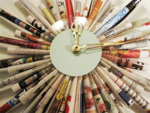 Cool Diy Clock Of Rolled Magazine Sheets