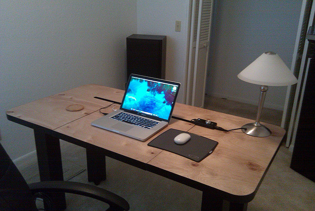 picture of cool diy computer desk