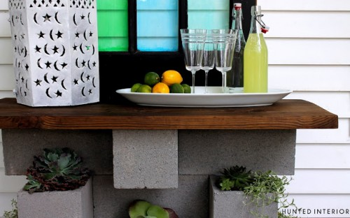 planter and bar of concrete and wood (via huntedinterior)