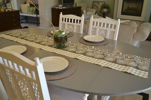 easy dining table renovation (via sweetiepiepumpkinnoodle)