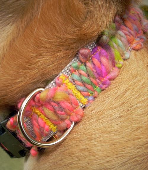 yarn applique collar (via dog-milk)