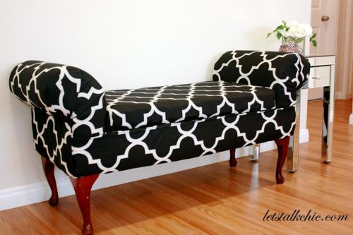 comfy upholstered bench (via sugarandchic)
