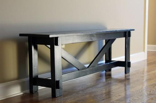 simple entry bench (via imsimplysarah)
