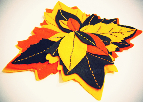 leaf felt coasters (via livelovecreateinspire)
