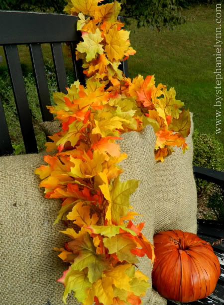 faux leaf fall garland (via bystephanielynn)