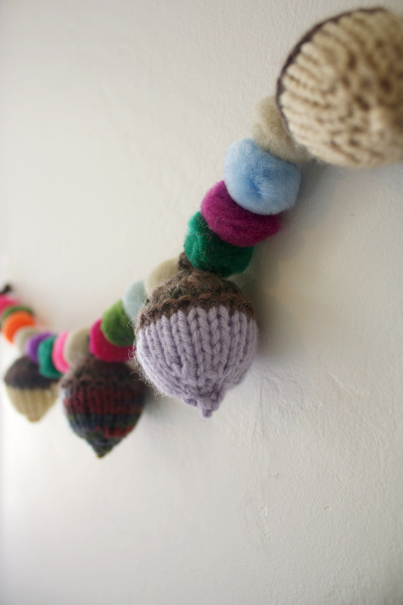 knitted acorns garland