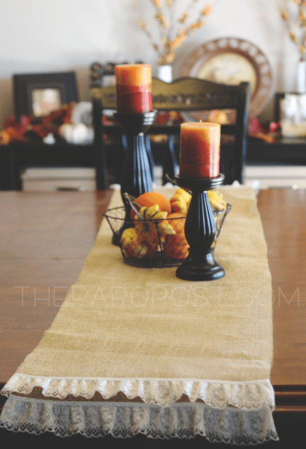 no sew burlap and lace table runner (via theparopost)