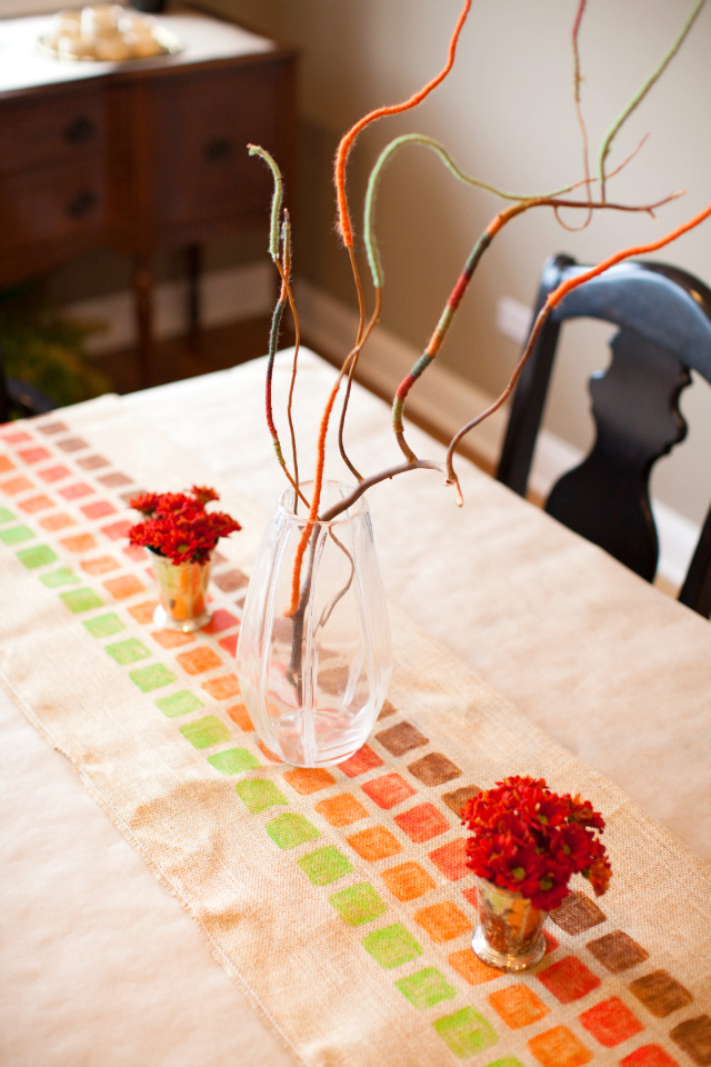 Picture of burlap painted table runner for Easy diy table runner