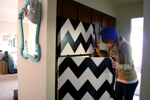 chevron stripe fridge (via pocketfulofpretty)