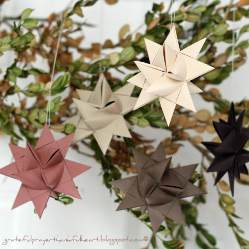 3D Christmas star ornament (via gratefulprayerthankfulheart)