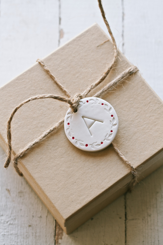 Picture Of cool diy gift tags and ornaments from clay  3