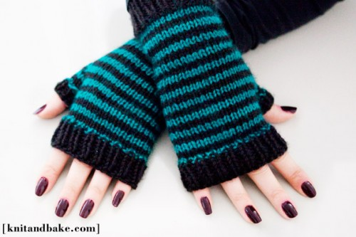 22 Cool DIY Gloves For The Cold Weather