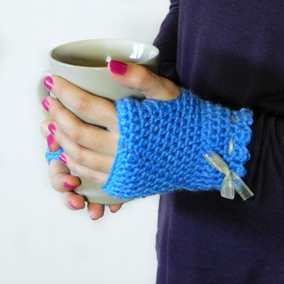 vintage fingerless gloves (via hopefulhoney)