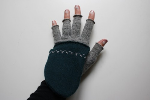 flip top convertible mittens (via michaelannmade)