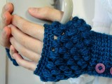 buttoned crocheted gloves