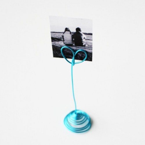 Cool DIY Heart Photo Holder Of Wire