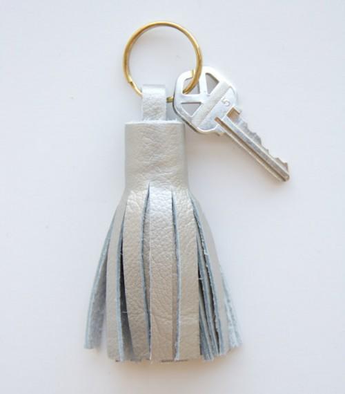leather tassel key ring (via lovelyindeed)