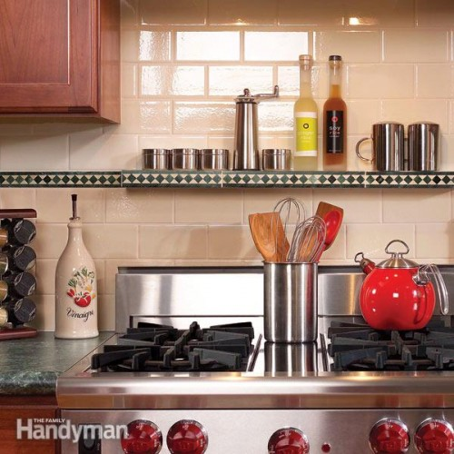 tiled kitchen backsplash (via familyhandyman)