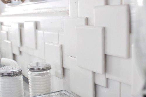 3D kitchen backsplash (via anestforallseasons)