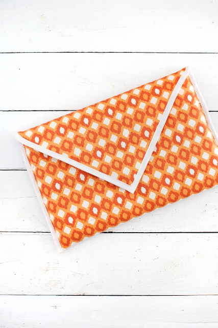 quilted laptop sleeve (via styleoholic)