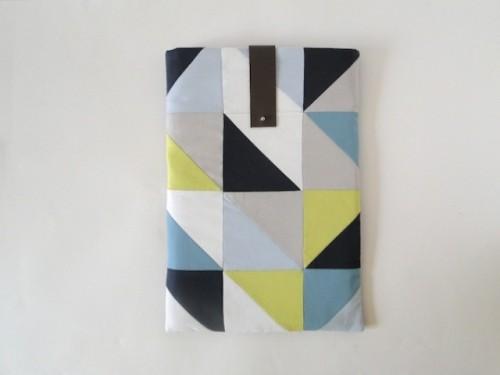 geometric laptop sleeve (via shelterness)