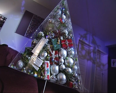 transparent pyramid Christmas tree (via shelterness)