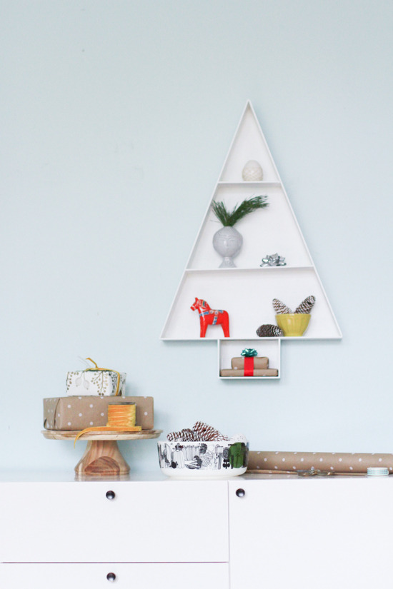 Picture of modern fun christmas tree for Diy modern christmas decorations