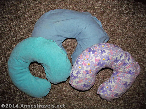 adult travel neck pillow (via annestravels)