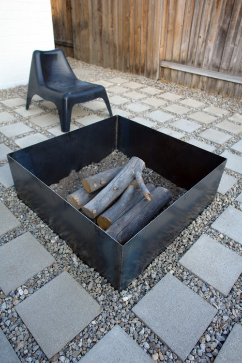 fire pit redux (via the-brick-house)