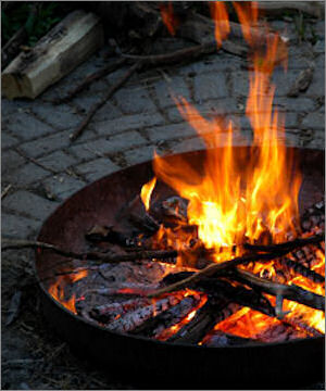 how to build a fire pit (via tipnut)