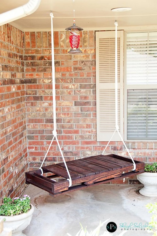 8 Cool DIY Outdoor Swings
