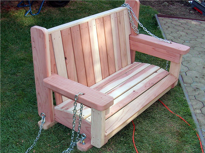 freestanding arbor swing (via diynetwork)
